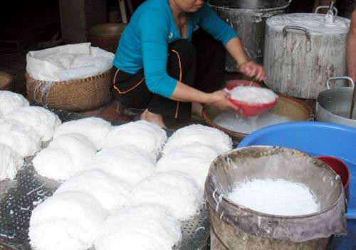 Xử lý nước thải ở các cơ sở sản xuất bún, bánh phở ở khu vực Hà Nội và tỉnh lân cận