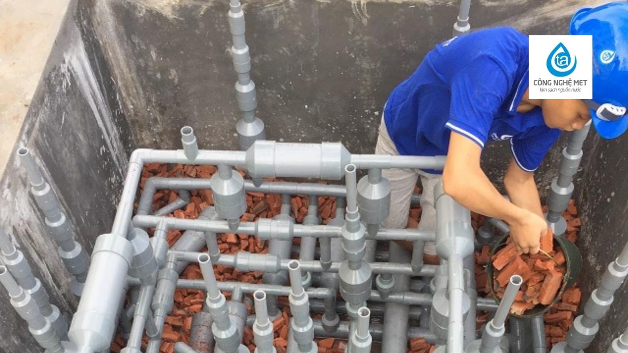 hệ thống met xử lý nước ao