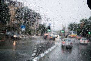 nước mưa bão